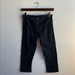 Lululemon Capri Pants Sz 6
